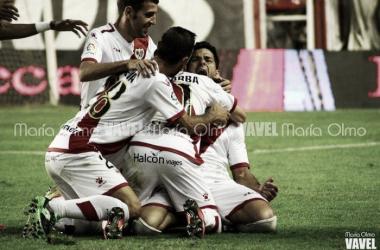 Jugadores del Rayo celebrando un gol | Fotografía: María Olmo