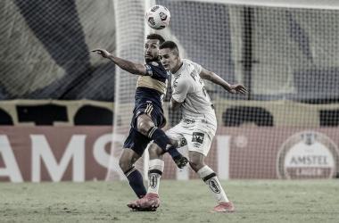 Carlitos Tévez é um dos principais jogadores do Boca (Divulgação/Santos)