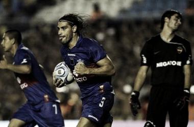 Grito de gol de Lázzaro, sufre Javi García. No fue suficiente (Foto: A Puro Gol).