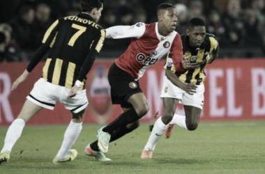 Feyenoord e Vitesse empatam no De Kuip