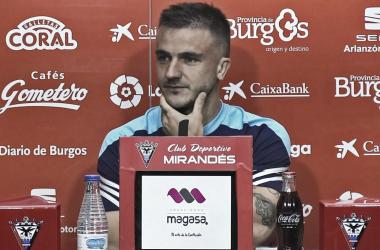 Borja Sánchez durante la rueda de prensa | Foto: CD Mirandés