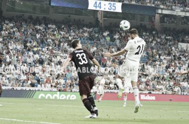 Borja Mayoral cabecea el balón hacia la portería italiana I Foto: Pablo Rodríguez (VAVEL)