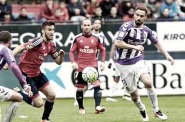 Borja disputando un balón en él último enfrentamiento entre ambos equipos | Foto: Real Valladolid