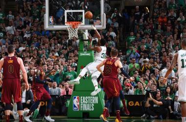 """NBA Playoffs - Boston Celtics, Stevens dopo gara 2: """"James incredibile, ma abbiamo reagito bene"""" - Foto Celtics Twitter"""