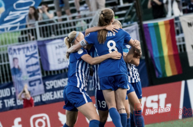 Boston players celebrate after one of their three goals against Seattle Reign FC | Source: E.Sbrana - Earchphoto