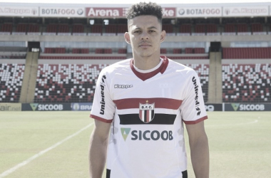 """Walisson, do Botafogo-SP, analisa campanha da equipe paulista na Série B: """"Temos que melhorar nossa situação"""""""