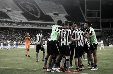 Botafogo chega à final do Campeonato Carioca com vantagem em decisões sobre Vasco