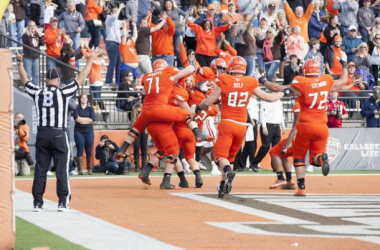 Bowling Green celebrates the game winning touchdown (AP Photo)