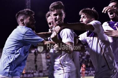 El Real Jaén golpea primero