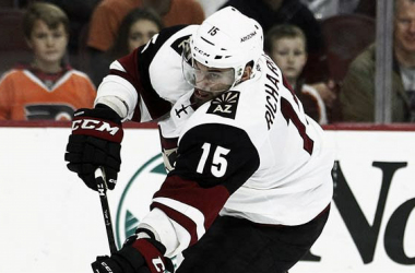 Arizona Coyotes: Brad Richardson back as strong as ever. | Photo: AP/Tom Mihalek