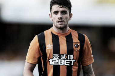 Hull City look to open up contract negotiations with Robbie Brady