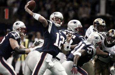 Tom Brady en el Super Bowl XXXVI (foto: www.nfl.com)