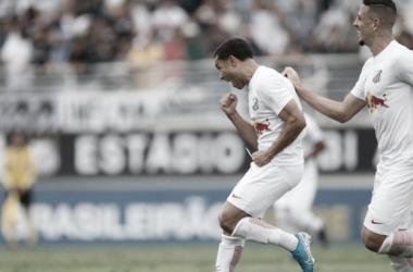 Bragantino define jogo em dois minutos e bate Vitória no Nabizão