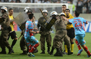 Brasile, finisce nel caos At.Mineiro-Arsenal