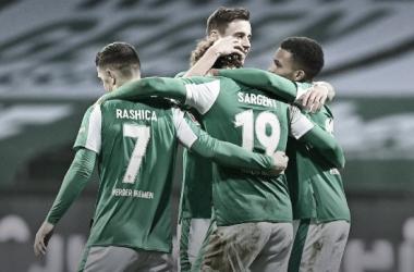Los jugadores del Werder Bremen festejando el triunfo / Foto: @werderbremen