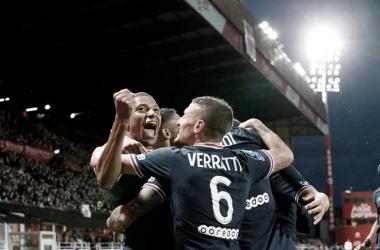 Em jogo intenso, PSG vence Brest e mantém máximo aproveitamento na Ligue 1