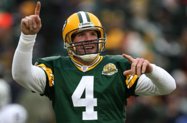 """Brett Favre believes Packers have sent """"a disrespectful message to Aaron Rodgers"""""""