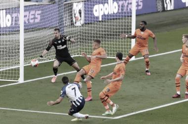 Em jogo de pouca criatividade, Brighton e Newcastle não saem do empate