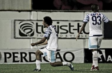 Guga (abaixado) e Judson (93) marcaram seus primeiros gols pelo Leão (Foto: Lucas Gabriel Cardoso/Brusque FC)