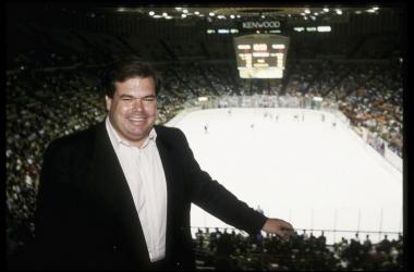 Bruce McNall, una de las piezas clave de la NHL en su crecimiento. - Getty Images