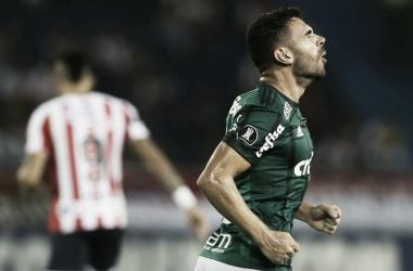 Bruno Henrique após marcar um gol contra o mesmo Junior, em 2018 (Foto: Cesar Greco/Divulgação/Ag Palmeiras)
