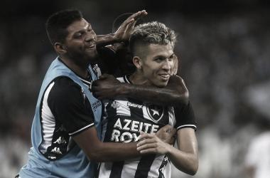 Bruno Nazário decide e Botafogo vira sobre Resende no Engenhão