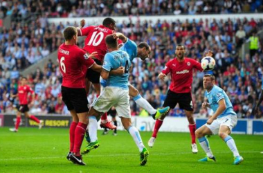 Com dois gols de Campbell, Cardiff vira pra cima do Manchester City