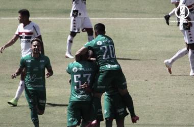 Guarani bate Botafogo-SP no Santa Cruz e conquista primeira vitória na Série B