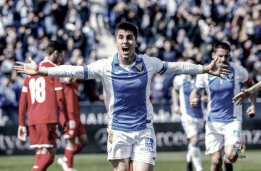 Unai Bustinza celebrando su gol ante el Sevilla FC | Fuente:LaLiga