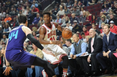 Jimmy Butler guarded by Frank Kaminsky. Bill Smith/Chicago Bulls