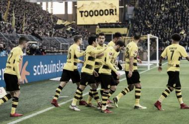 El Dortmund rescató un empate sobre el final ante el Friburgo