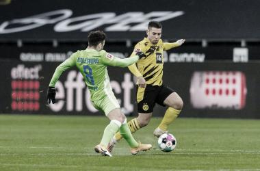 Borussia Dortmund vence Wolfsburg em casa e se mantém no G-4 da Bundesliga