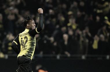 Atacante chegou a cinco gols marcados em três jogos pelo BVB (Foto: Divulgação/Borussia Dortmund)