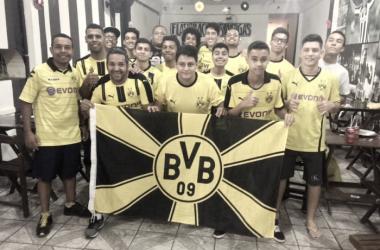 Torcedores do Dortmund promovem encontro para assistir ao clássico contra Schalke 04