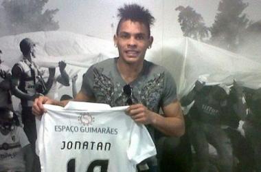 Jonathan Alvez marco su primer gol en Portugal. FOTO: Cambiodefrente.com