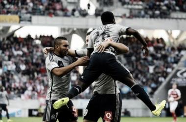 Avassalador, Olympique de Marseille goleia Reims e se isola na liderança da Ligue 1