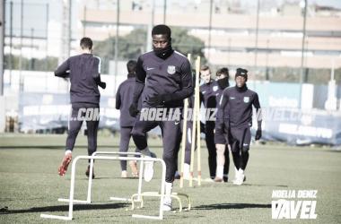Moussa Wagué durante el entrenamiento | Foto de Noelia Déniz, VAVEL