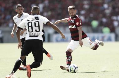 """Everton Ribeiro lamenta derrota do Flamengo no Maracanã lotado: """"A gente não se ajuda"""""""