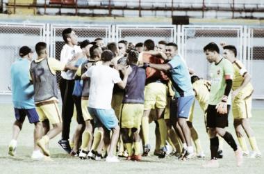 Celebración de Trujillanos en el terreno de juego / Prensa Zamora F.C.