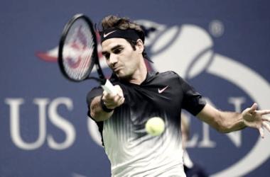 Roger bate forehand na estreia em Nova Iorque/ Foto: AFP