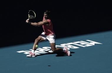 Nadal vence Carreño Busta em sets diretos e tem encontro marcado com Kyrgios no Australian Open