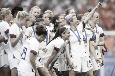 "The USWNT is ready to defend their crown in 2020 | Photo:&nbsp;<span style=""color: rgb(118, 118, 118); font-family: Retina, ""Helvetica Neue"", Helvetica, Arial, sans-serif; font-size: 13.7383px; font-style: normal; text-align: start;"">Maja Hitij - Getty Images</span>"