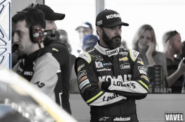 Jimmie Johnson in the garage at Las Vegas Motor Speedway this past spring. (Brandon Farris- VAVEL USA)