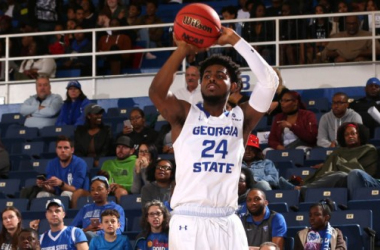 Devin Mitchell Signs for the Cheshire Phoenix