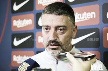 El técnico del Barça B atendió a los medios tras la victoria en Ontinyent | Foto: Noelia Déniz (Vavel)