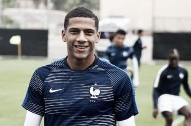 Todibo con la elástica de la selección francesa sub-20 | Foto: Twitter SFF
