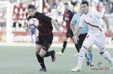 Fran Carbia, justo antes de anotar un gol en el último encuentro entre Sevilla Atlético y Reus | Foto: LaLiga