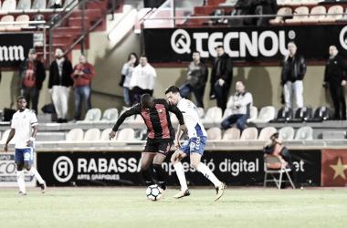 Karim Yoda disputando un balón | Foto: CF Reus