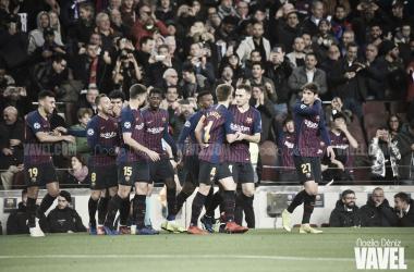 Los jugadores del Barça celebrando el gol de Dembélé ante el Tottenham | Foto: Noelia Déniz (VAVEL)