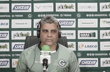 """Marcelo Cabo lamenta empate do Goiás contra Remo: """"Gosto amargo"""""""